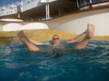 aida_aura-spass_im_pool-2