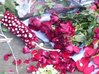 mumbai-blumengirlande-rosen