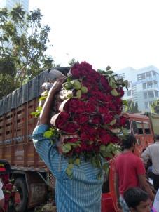 mumbai-blumenmarkt-rosen-1
