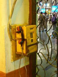 mumbai-hauptbahnhof-telefon