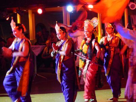 mumbai-indische_tanzgruppe-1