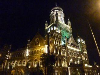 mumbai-rathaus-nacht