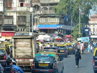 mumbai-verkehr-strasse