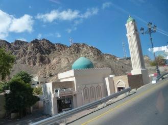 Oman-Muscat-Haeuser-landestypisch-Moschee-1