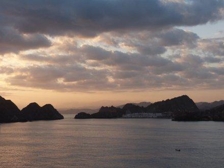 Oman-Muscat-Hafen-Meer-Sonnenaufgang-3