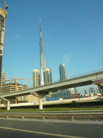Dubai-Burj_Khalifa_Autobahn