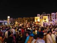Dubai-Menschen-Fontaenenshow