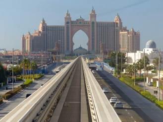 Dubai-Monorail-Atlantis