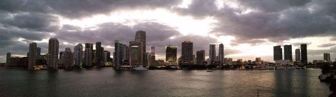 Miami-Skyline-Sonnenuntergang-3