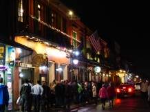 New_Orleans-Bourbon_Street-Nacht-1