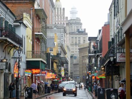 New_Orleans-French_Quarter_Bourbon_Street-2