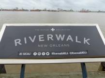 New_Orleans-Riverwalk_Mall-2