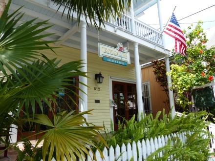 Key_West-Duval_Street-11