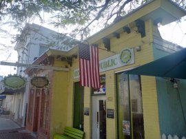 Key_West-Duval_Street-2
