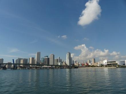 Miami-Skyline-blauer_Himmel-1