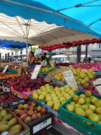 Ajaccio-Markt-3