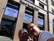 Barcelona-Hardrock_Cafe-Selfie-1