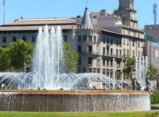 Barcelona-Placa_de_Catalunya-Brunnen-1
