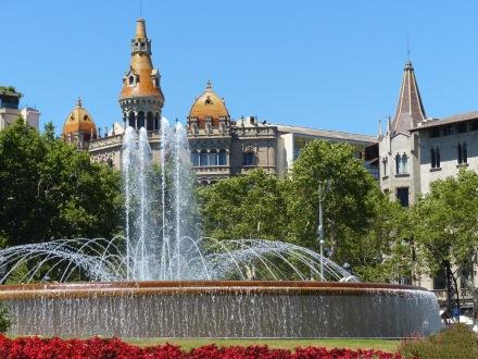 Barcelona-Placa_de_Catalunya-Brunnen-2
