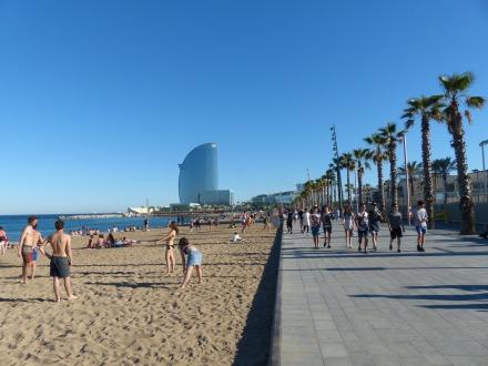 Barcelona-Stadtstrand-Placa_del_Mar-1