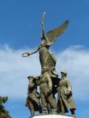 Cannes-Rathaus-Statue-3