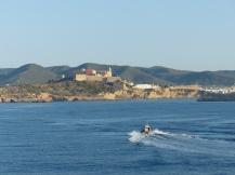 Ibiza-Altstadt-Blick_vom_Meer-2