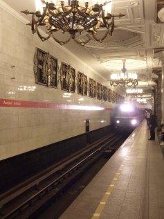 st_petersburg-metro-3