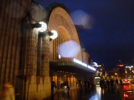 helsinki-hauptbahnhof-abend