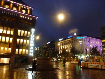 helsinki-kaufhaus_stockmann-abend