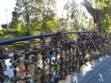 riga-neustadt-park-bruecke_mit_schloessern-2