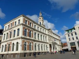 riga-rathausplatz-rathaus