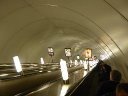 st_petersburg-metro-rolltreppe-1