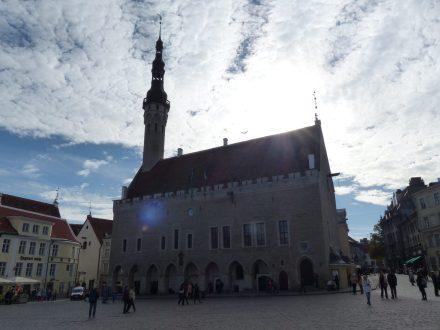 tallinn-altstadt-rathaus-marktplatz-1