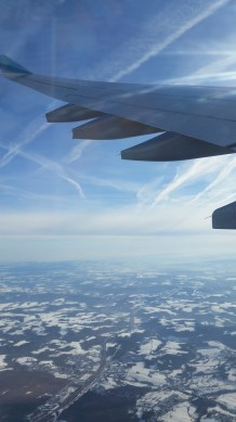 blick_aus_flugzeug-himmel-schnee