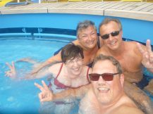 AIDAluna-Pooldeck-Pool-wir-1