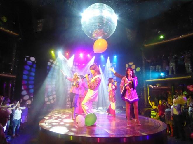 AIDAluna-Theatrium-Abba_Show-3