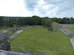 belize-maya-altun_ha-tempel-von_oben-2