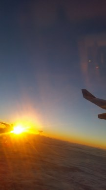Flugzeug-Ausblick-Wolken-Sonnenaufgang-3