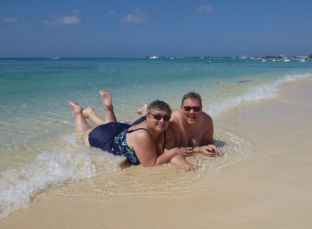 Grand_Cayman-Seven_Mile_Beach-Strand-Meer-wir-2