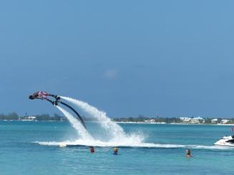 Grand_Cayman-Seven_Mile_Beach-Wassersport-2