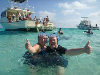 grand_cayman-stingray_city-wir-1