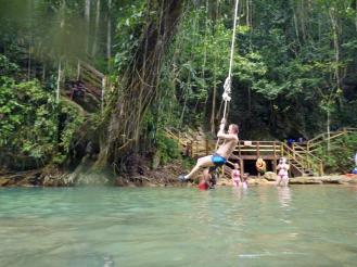 Jamaika-YS_Wasserfaelle-Liane-1