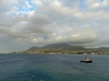 Karibik-St_Kitts-Einfahrt-Basseterre-1