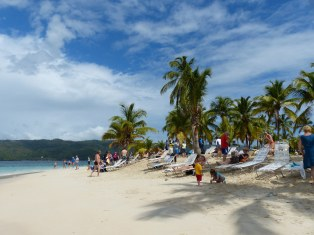 Samana-Cayo_Levantado-Bacardi_Insel-Strand-Palmen-2