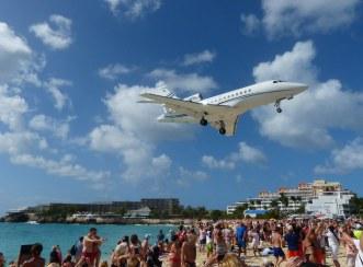 St_Maarten-Maho_Beach-Flugzeug-Landung-1