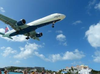 St_Maarten-Maho_Beach-Flugzeug-Landung-3