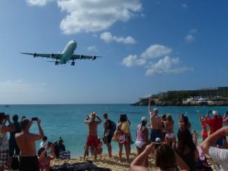 St_Maarten-Maho_Beach-Flugzeug-Landung-8