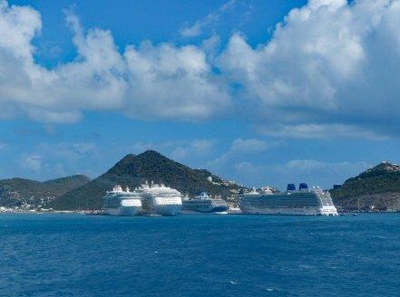 St_Maarten-Philipsburg-Hafen-Kreuzfahrtschiffe-1