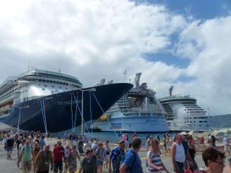 St_Maarten-Philipsburg-Pier-Kreuzfahrtschiffe-2