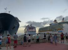 St_Maarten-Philipsburg-Pier-Kreuzfahrtschiffe-3
